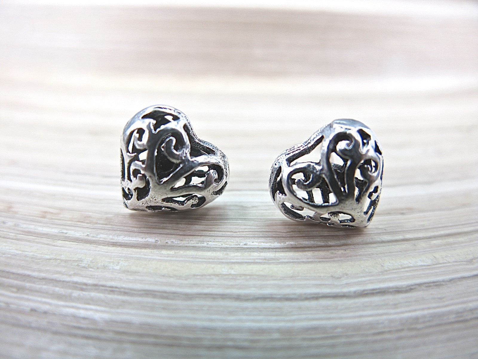 Heart Filigree Engraved Stud Earrings in 925 Sterling Silver Stud - Faith Owl