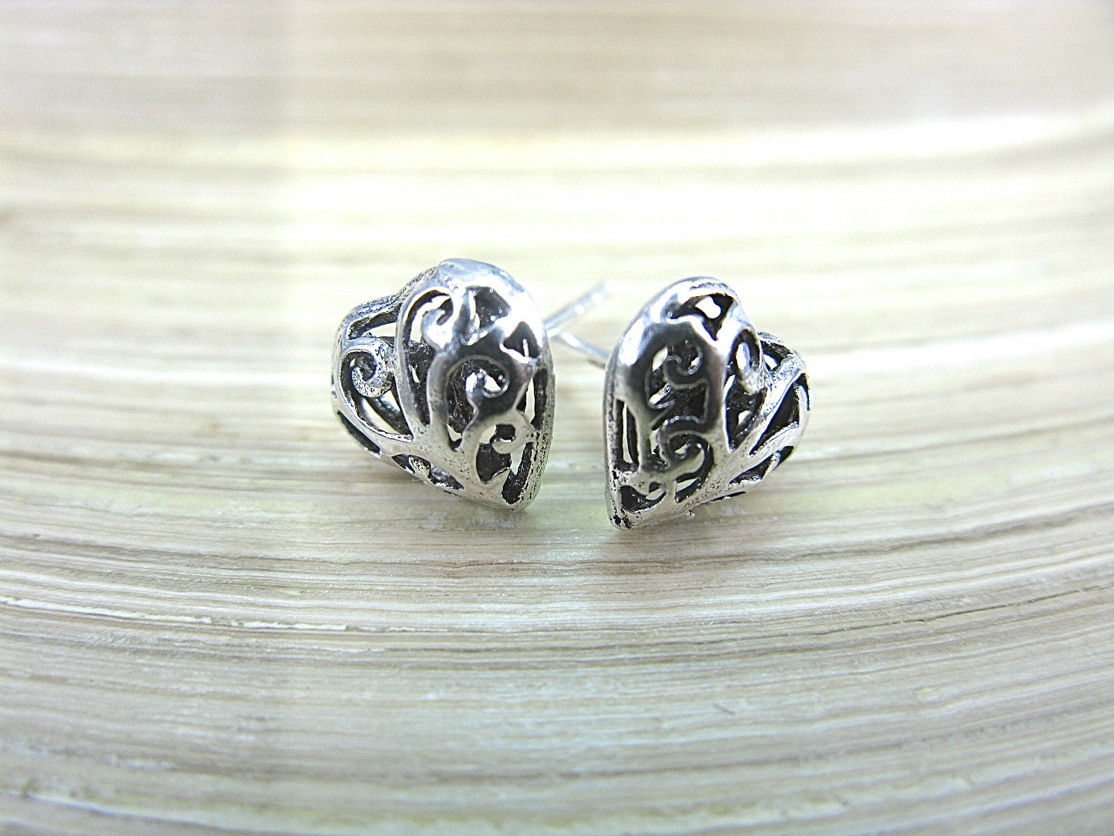 Heart Filigree Engraved Stud Earrings in 925 Sterling Silver Stud Faith Owl - Faith Owl