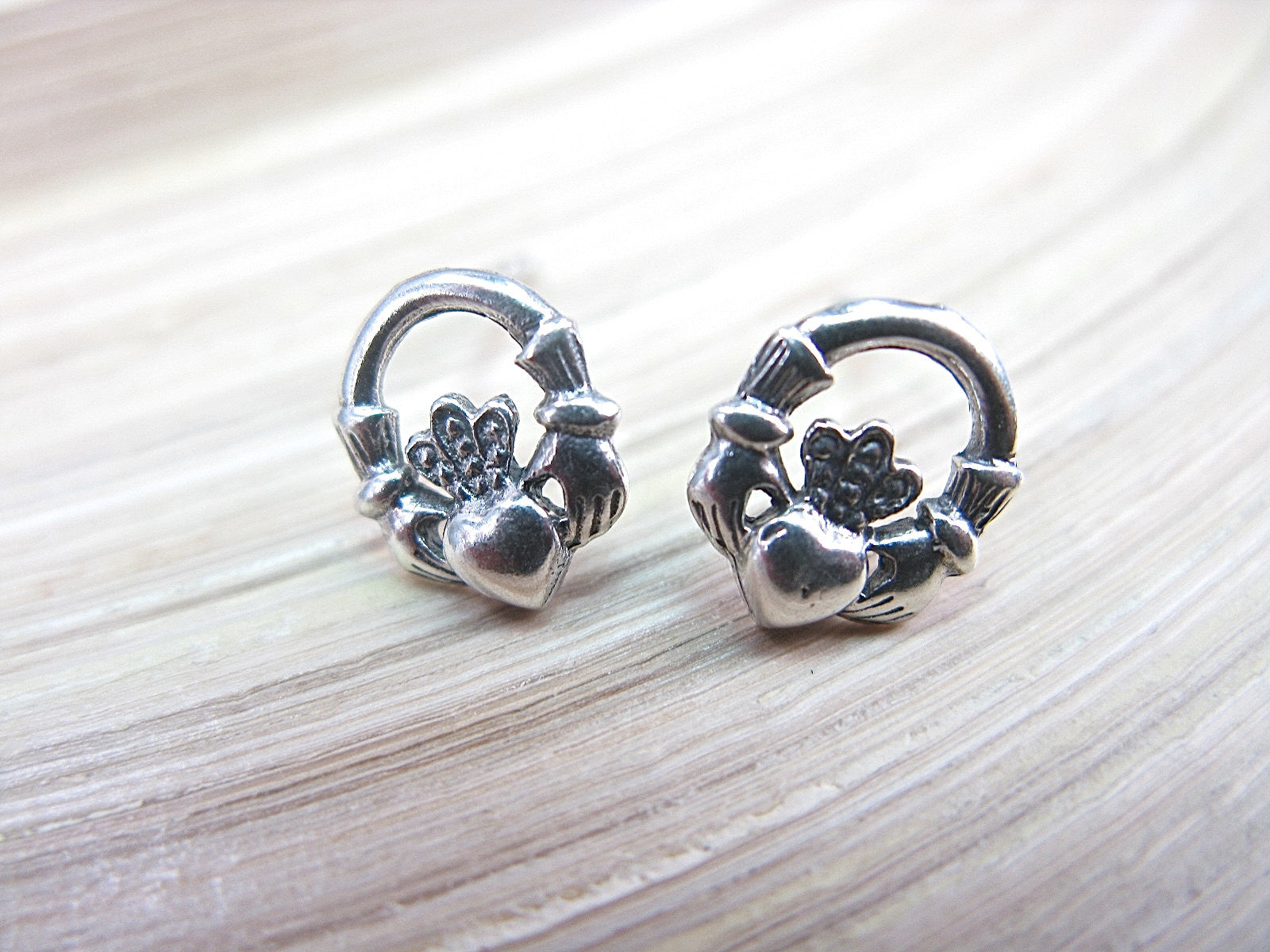 plain cityjewellers best on images stud earring celtic small pinterest silver earrings sterling claddagh jewellery