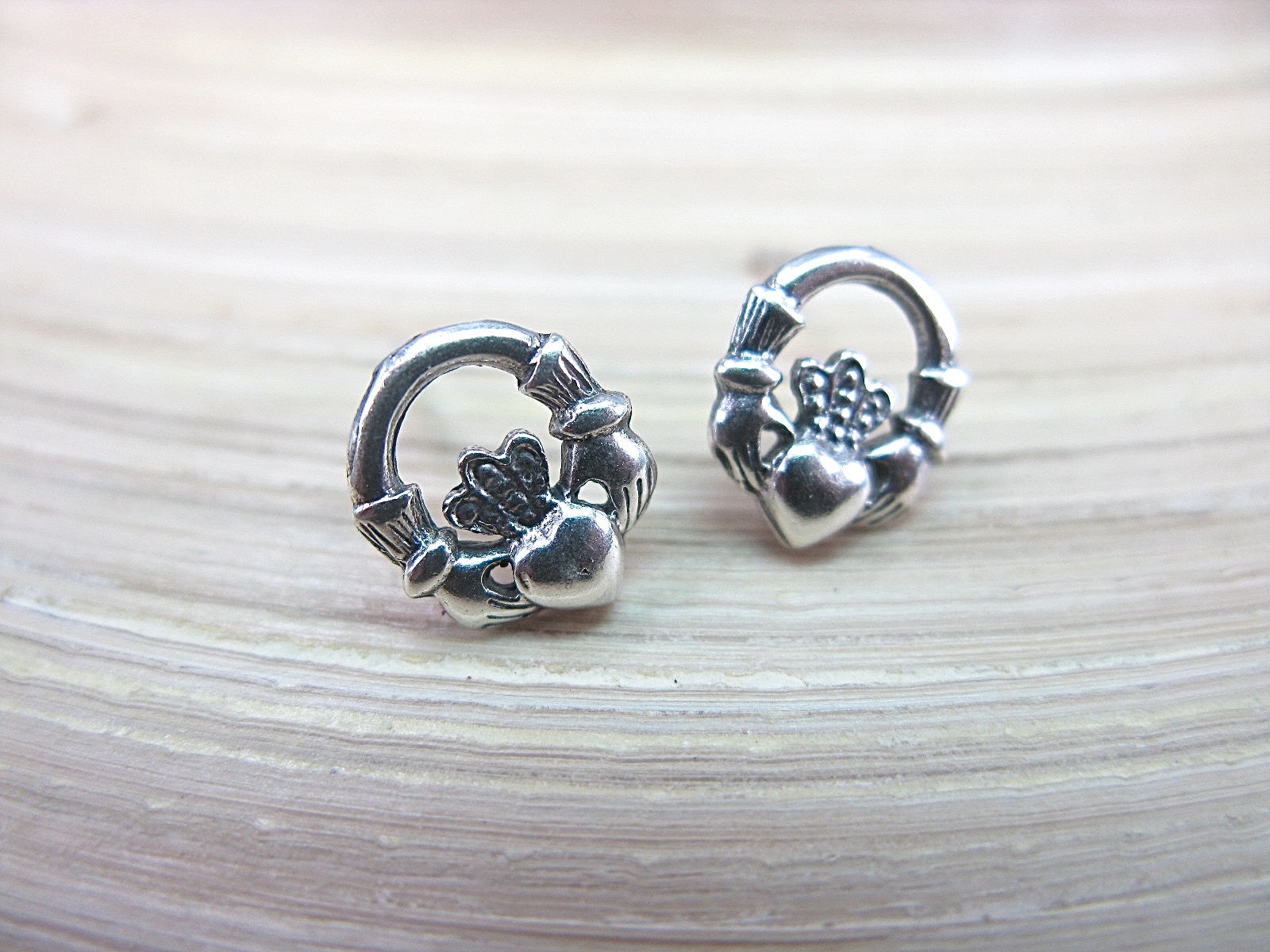Claddagh Earrings in 925 Sterling Silver Stud - Faith Owl