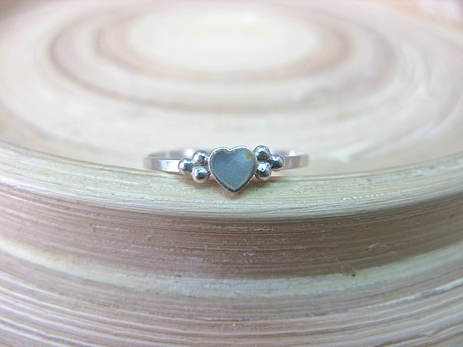 Mother of Pearl Heart Ring Minimalist Jewlery in 925 Sterling Silver Ring Faith Owl - Faith Owl