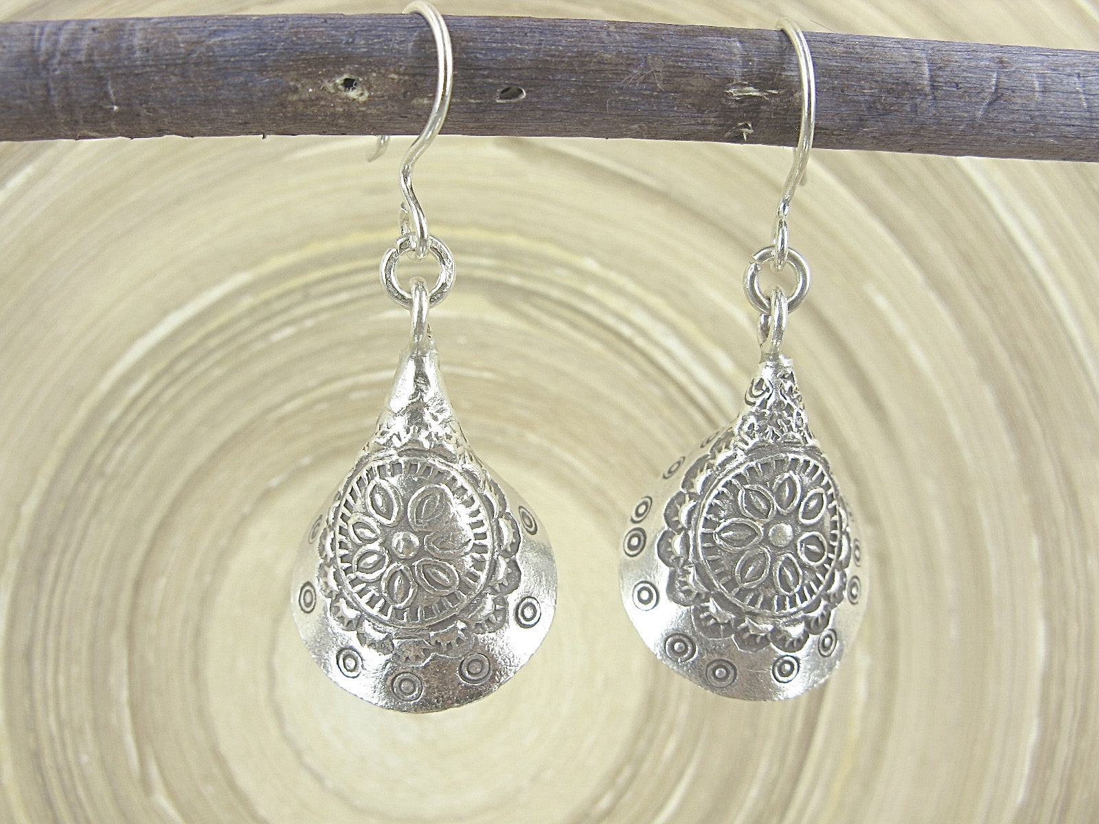 Engrave Tribal Dangle Oxidized 925 Sterling Silver Earrings Earrings - Faith Owl