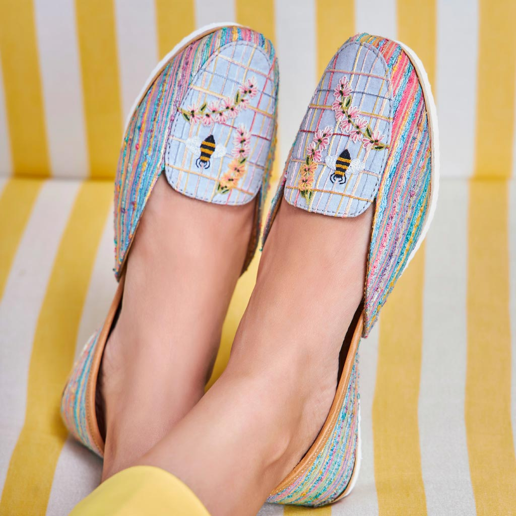 Bee-tiful Day : Loafers