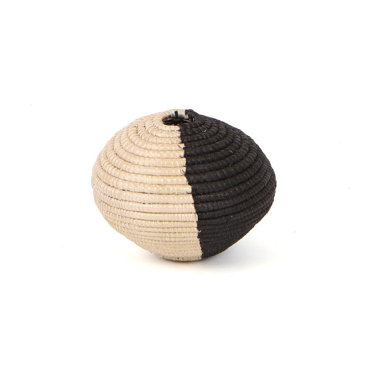 BLACK & NATURAL RAFFIA VASE