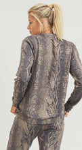 Load image into Gallery viewer, Snake Print Pullover