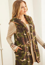Load image into Gallery viewer, Camo Brushed Vest with Pockets