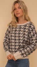 Load image into Gallery viewer, Hound Tooth Jacquard Sweater