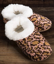 Load image into Gallery viewer, Cheetah Print Slippers