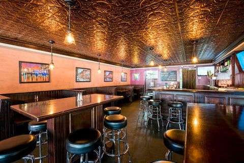 PICTURE OF AN AMERICAN BAR