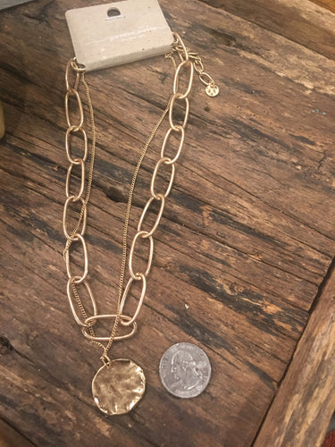 Chain-link an oval disc necklace