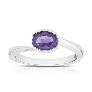 Oval Amethyst Ring in 14K White Gold