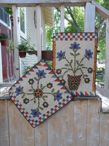 applique wall hanging and table topper quilt patterns