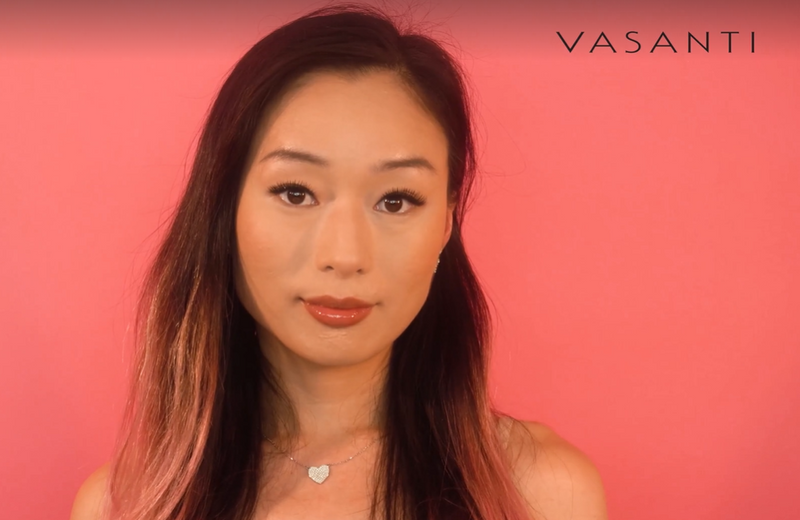 Woman wearing Vasanti Liquid Cover Up Foundation and Concealer in 1 - Shade V1