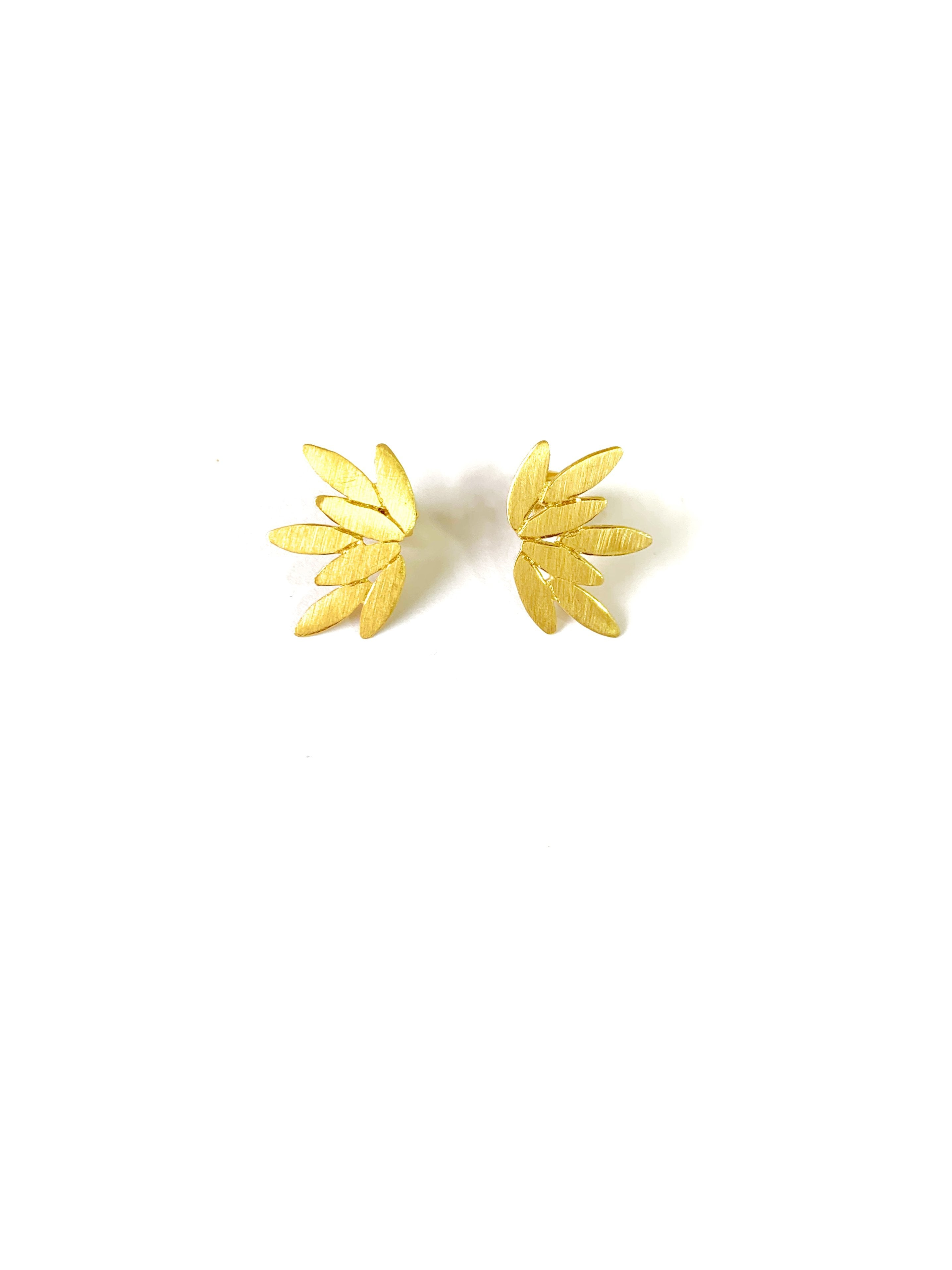 Spiky leaves earrings