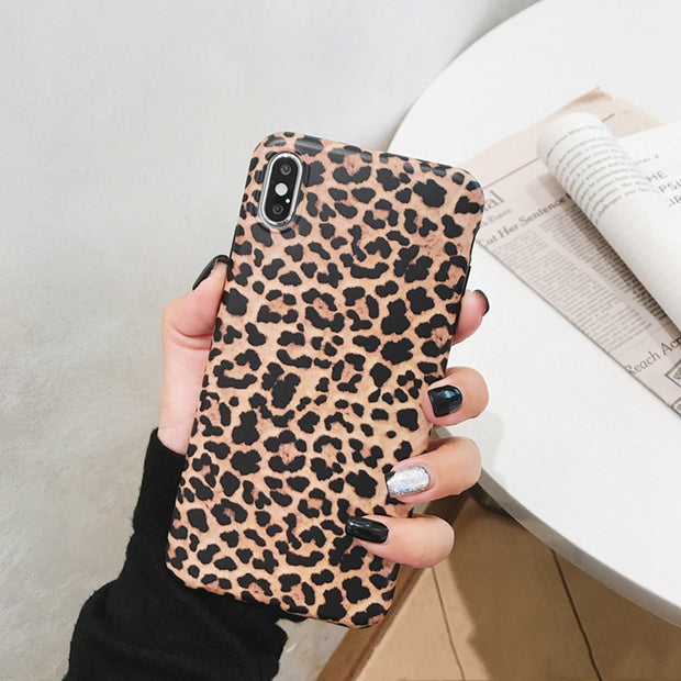 Fashion Female Leopard Print Phone Case For Iphone X XR XS Max Case For Iphone 6 6S 8 7 Plus Back Cover Luxury Imd Matte Soft Sh