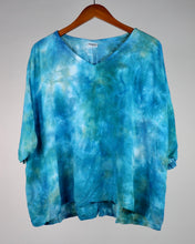 Load image into Gallery viewer, XL Flowy High Low Rayon Top