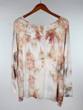 Load image into Gallery viewer, Large Long Sleeve PIKO Top