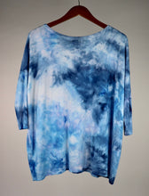 Load image into Gallery viewer, Small 3/4 Sleeve PIKO Top