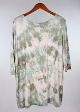 Load image into Gallery viewer, Medium 3/4 Sleeve PIKO Tunic