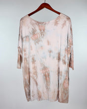 Load image into Gallery viewer, Small 3/4 Sleeve PIKO Tunic