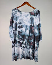 Load image into Gallery viewer, Large 3/4 Sleeve PIKO Tunic