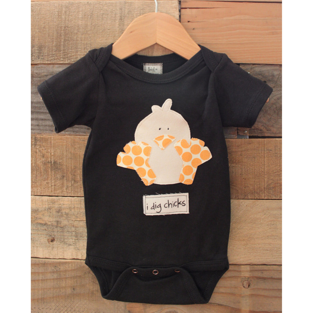 I Dig Chicks Baby Onesie - BabyLuxDesign
