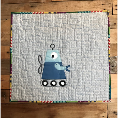 Mini Robot Quilt - BabyLuxDesign