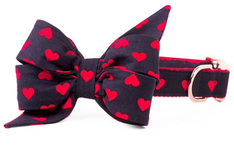 Hearts on Navy Belle Bow™ Dog Collar