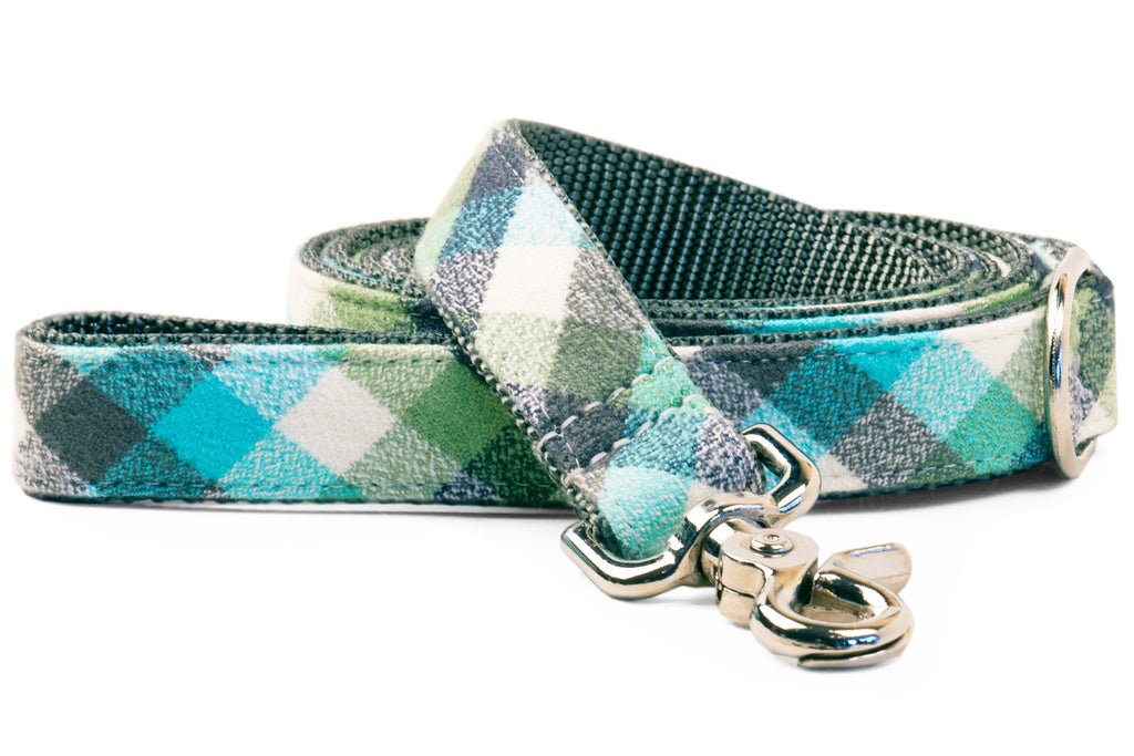 Tucker Flannel Matching Leash