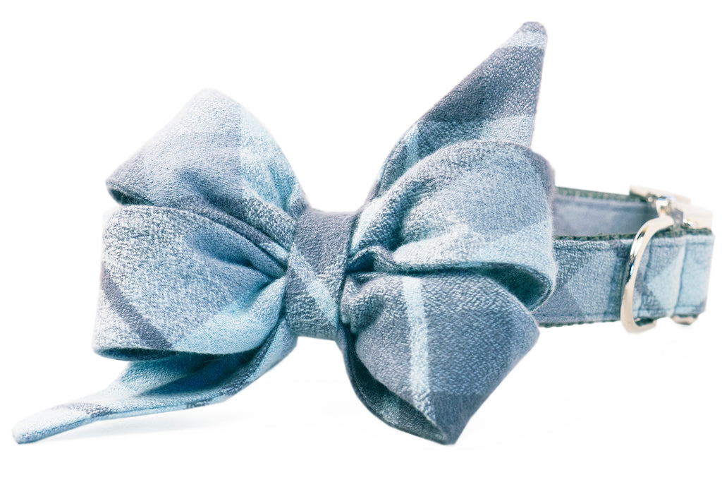 Grey's Flannel Belle Bow Dog Collar