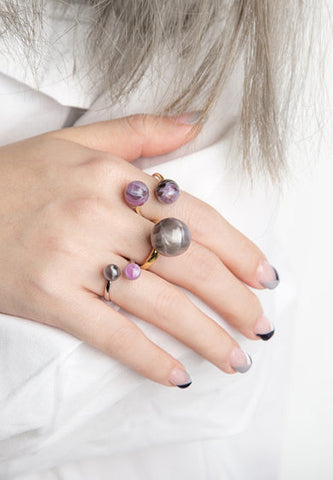 'Scarlet Tropedo' Lavender double pearl ring