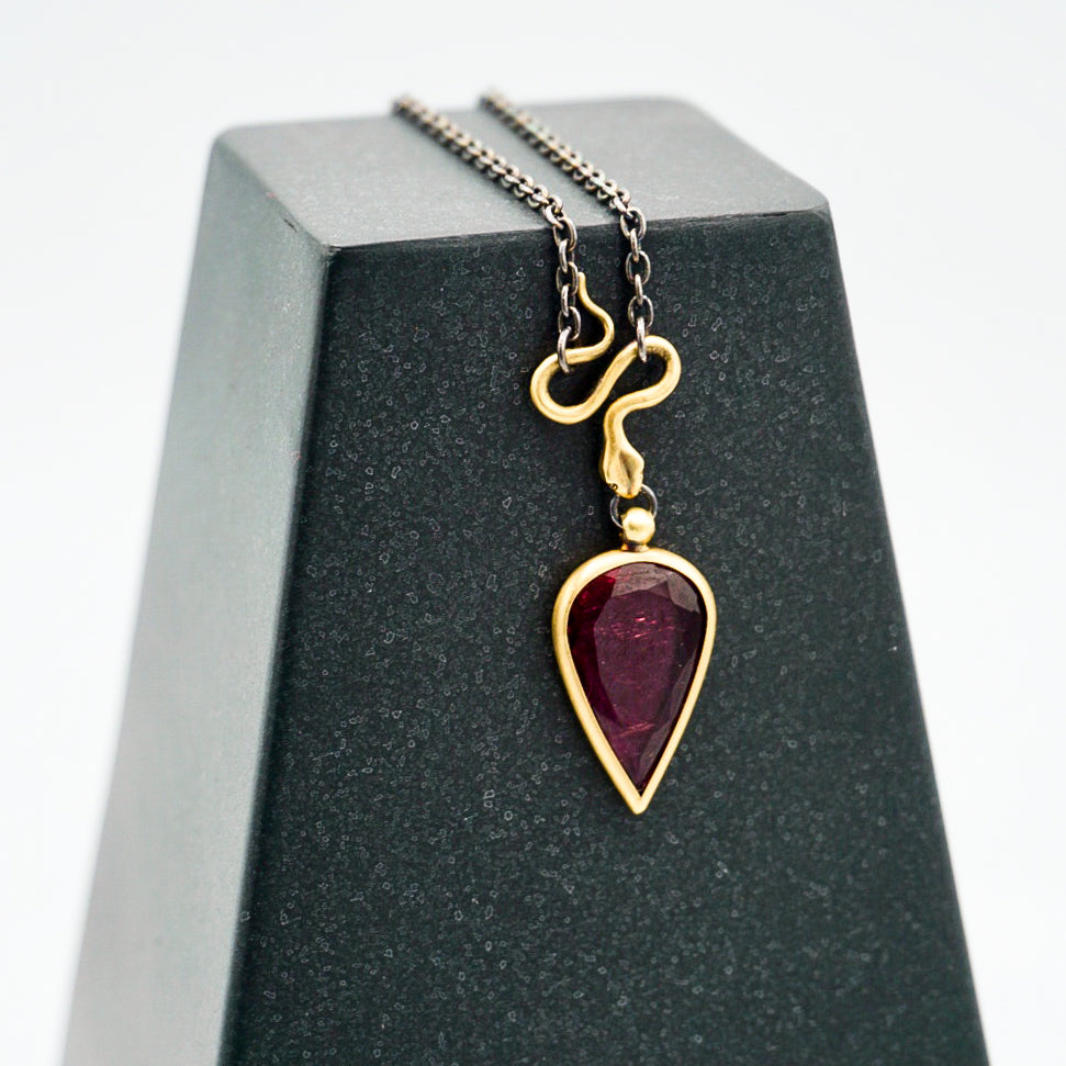18k Gold & Pink Tourmaline Snake Necklace