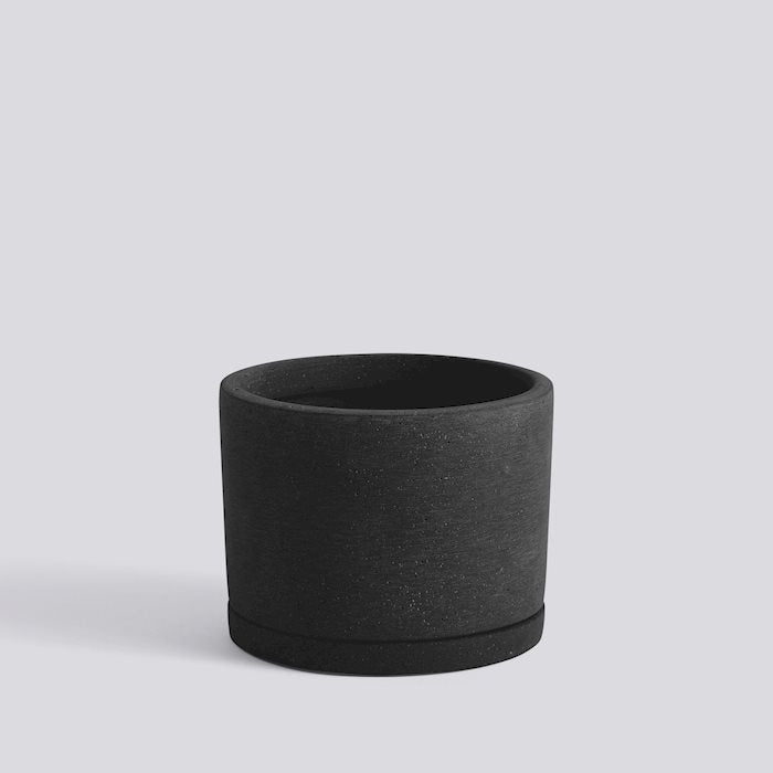 HAY Plant Pot with saucer - Black Large