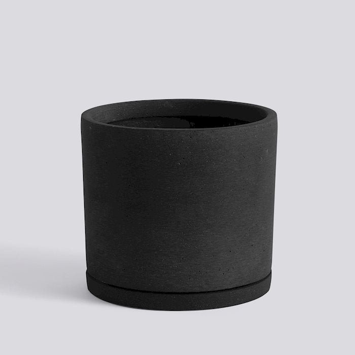 HAY Plant Pot with saucer - Black XX-Large