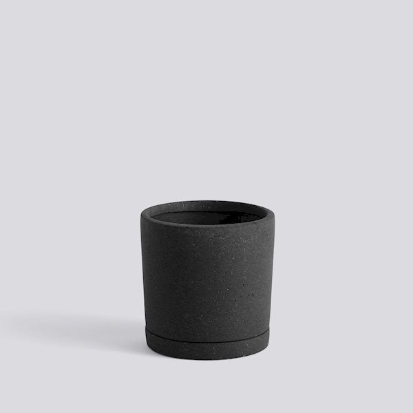 HAY Plant Pot with saucer - Black Medium