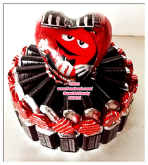 CK1121 HERSHEY'S BAR HEART CAKE
