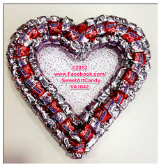 VA1042 SILVER AND RED SNICKERS HEART