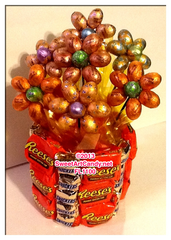 FL1100 REESES AND SNICKERS CHOCOLATE FLOWERS
