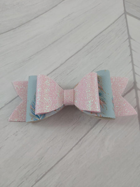 Gitter pink and feathers bow