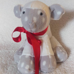 Memory keepsake lamb - Sew Tilley