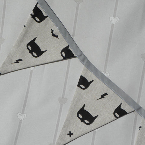 Batmask superhero bunting - Sew Tilley