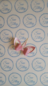 Pink unicorn horn bow - Sew Tilley