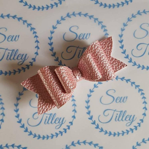 Pearlessent Pink leatherette hair bows, set of 2 - Sew Tilley