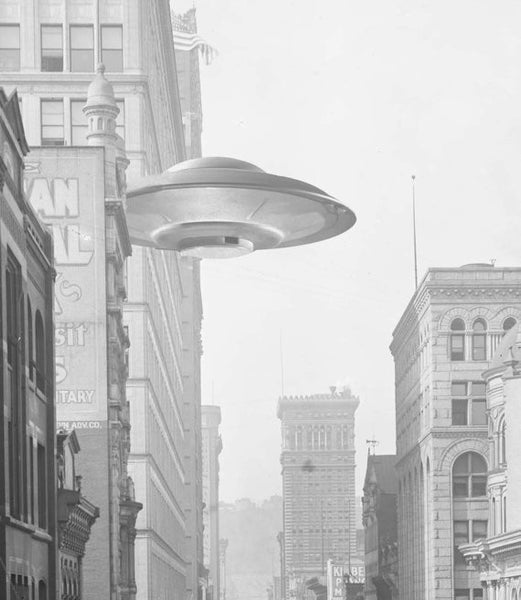Martian Saucer Craft in Down-town Pittsburgh