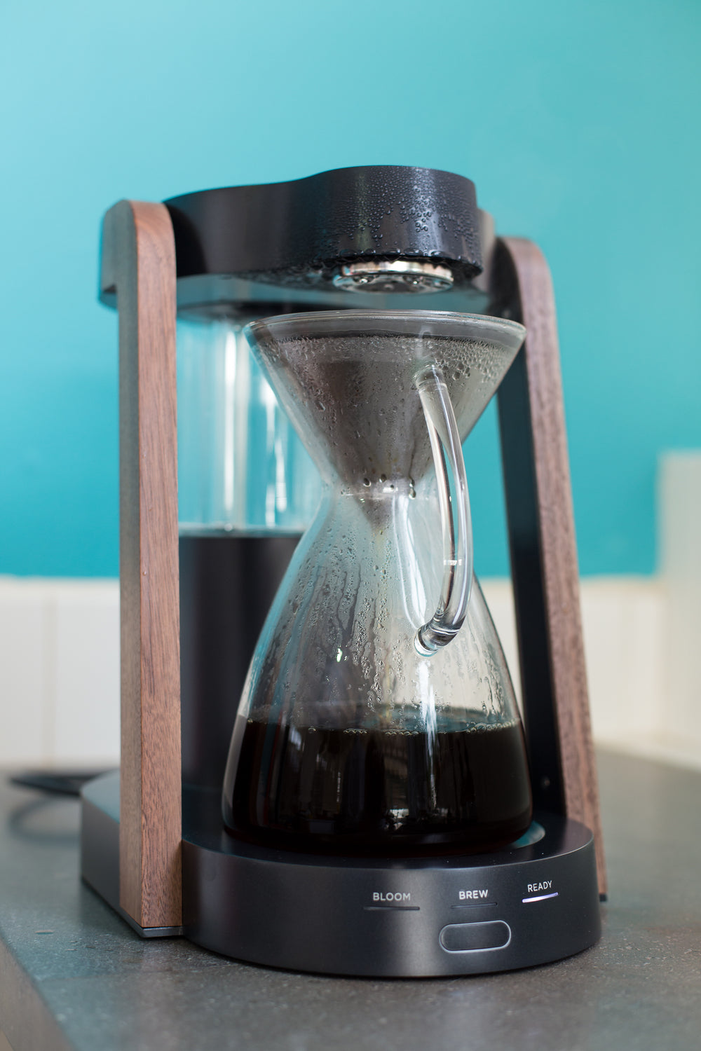 Ratio Eight Edition Coffee Maker in Dark Cobalt Brewing