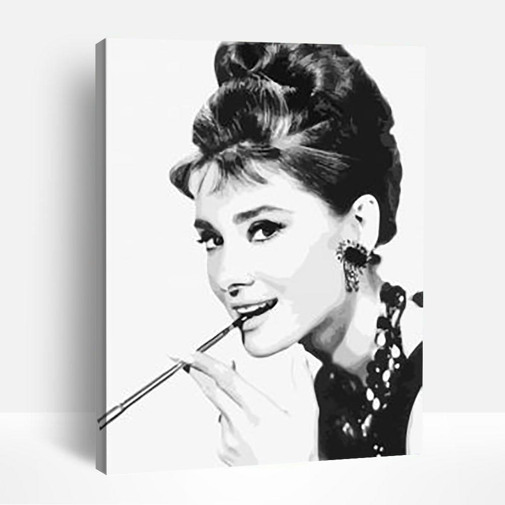 Audrey Hepburn Black and White | Paint By Numbers