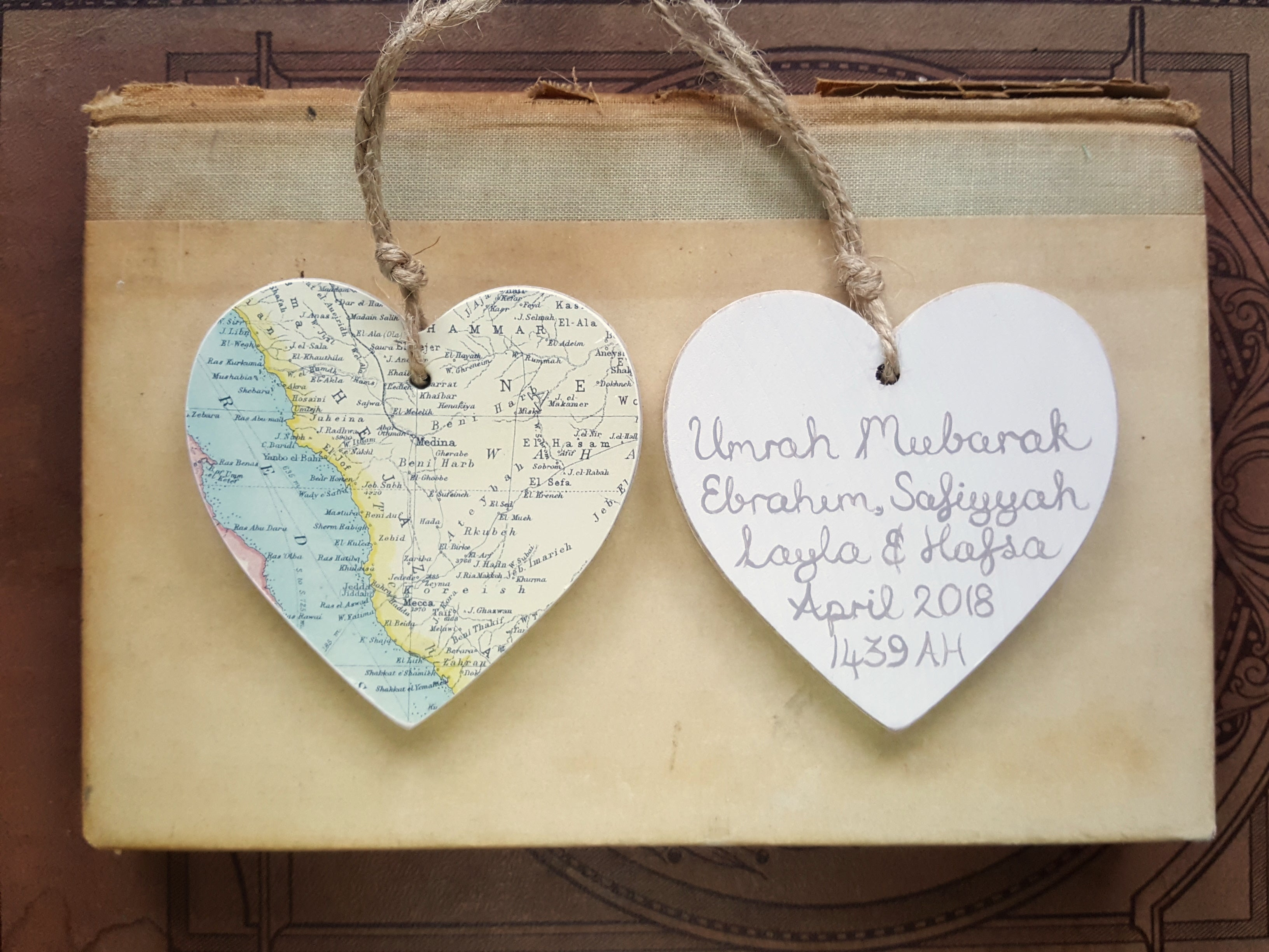Wooden hanging heard with map of Mecca & Medina personalised in Arabic hajj umrah gift by Qalbi