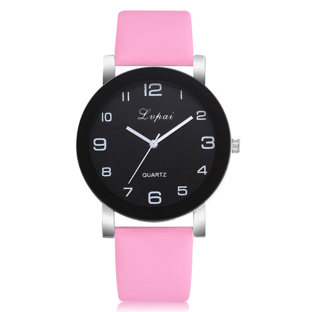 Casual Quartz Watch With Leather Band