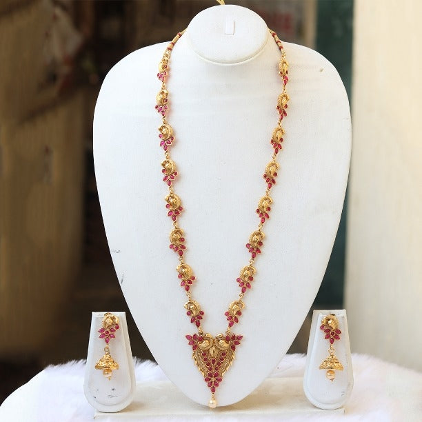 Gorgeous Gold plated Maroon Peacock Haar Necklace Set for Women