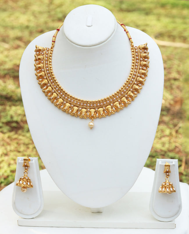 Awesome White Color Short Necklace Set